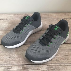 Under Armour New Without Box Gray Tennis Shoes 6Y